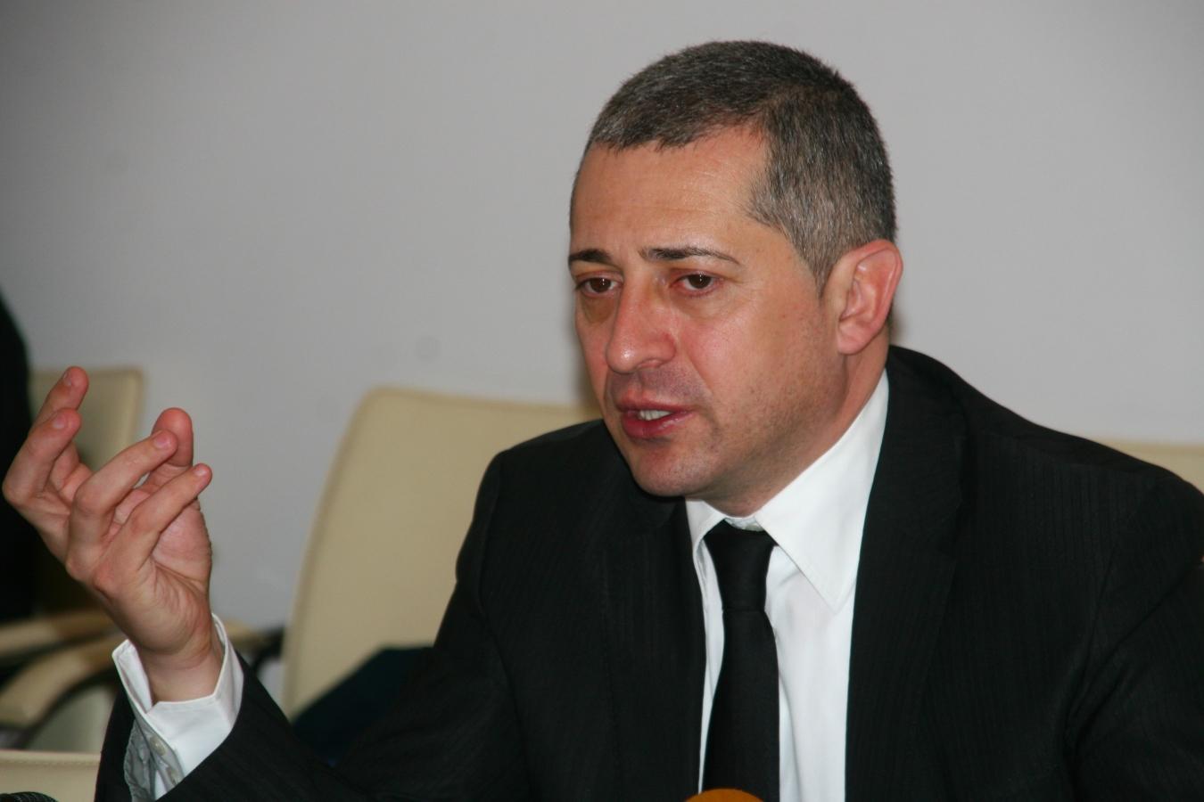 Şeful AJOFM Cluj, Daniel Don, a fost trimis în judecată de procurorii DNA pentru fapte de corupţie