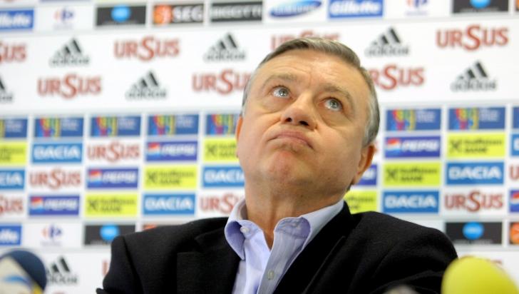 Mircea Sandu nu mai candidează la şefia FRF în 2014, dar va rămâne în structura forului european
