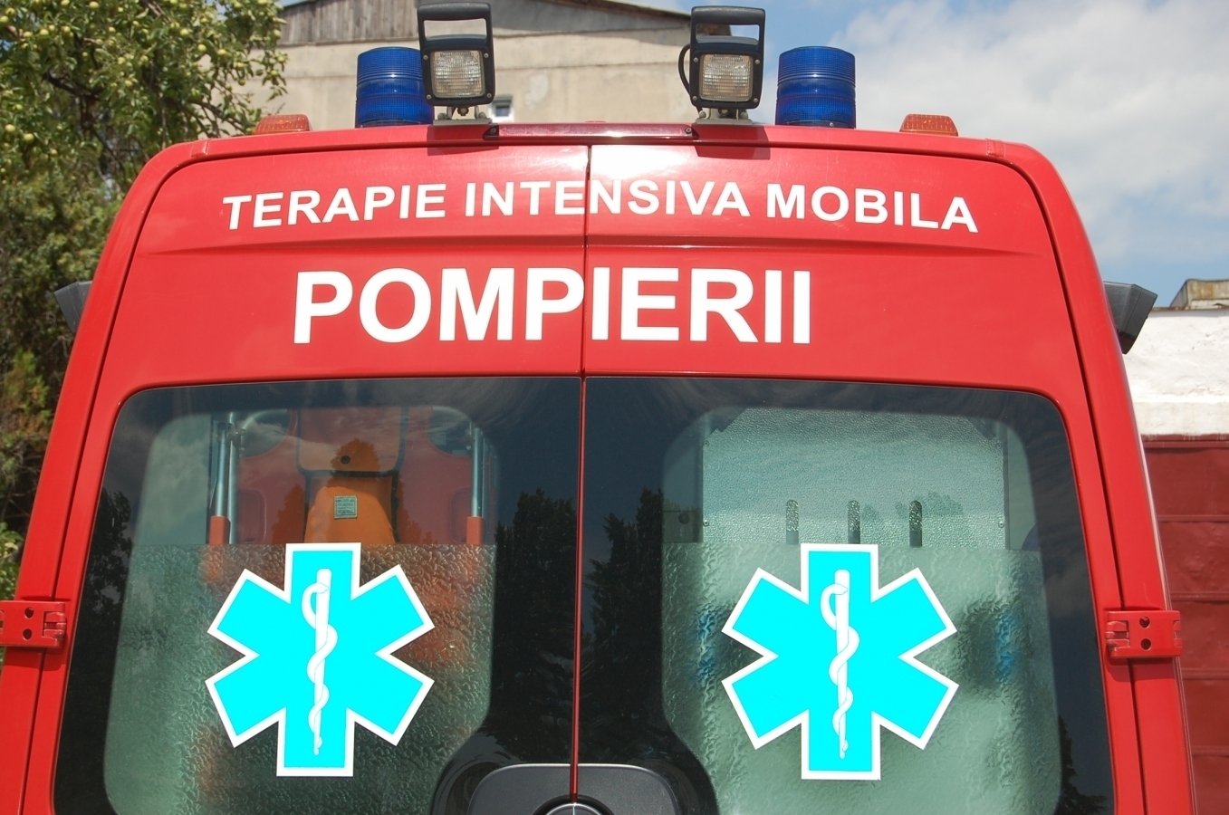 ACCIDENT: O tânără a fost lovită de o maşină pe strada Observatorului!