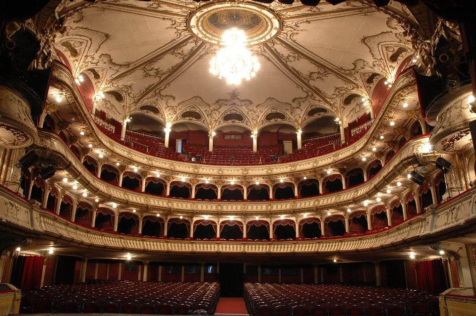 Hamlet dă startul stagiunii 2012-2013 a Teatrului Naţional Cluj!