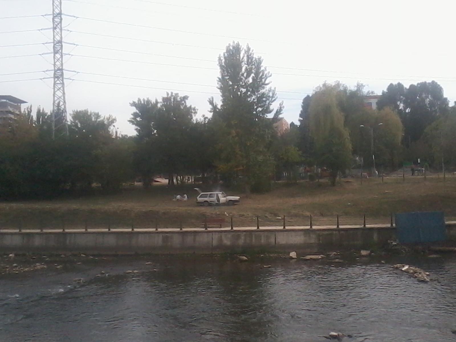 PICNIC direct pe malul Someşului, lângă Parcul Rozelor din Cluj!