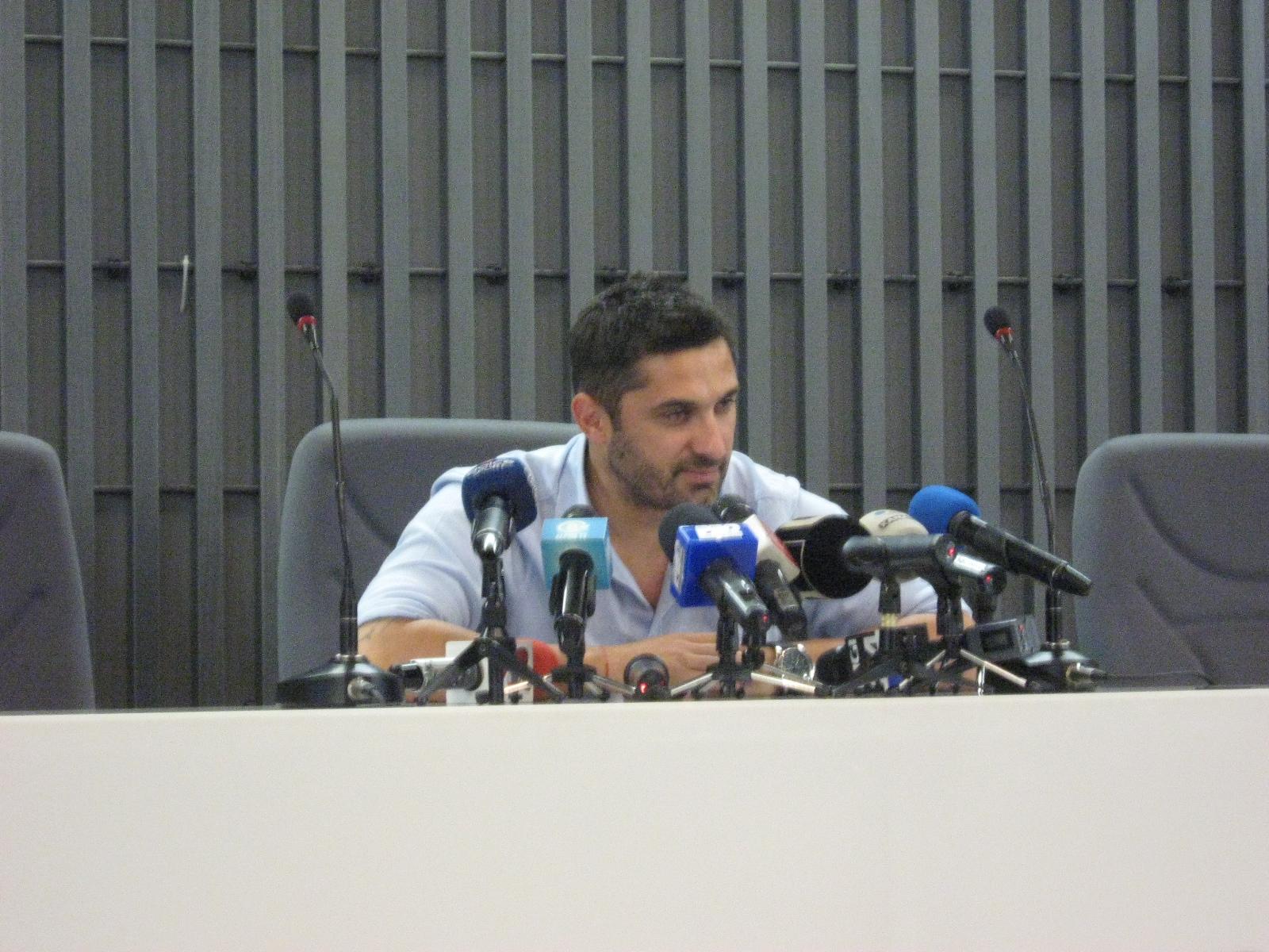 """Conferinţa de """"adio"""" din postura de jucător. Claudiu Niculescu a agăţat ghetele în cui!"""