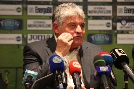 """Andone: """"Balaj a spus că dacă vorbeam frumos ne dădea şi nouă penalty"""""""