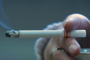 """Fumatul duce la """"degradarea"""" creierului!"""
