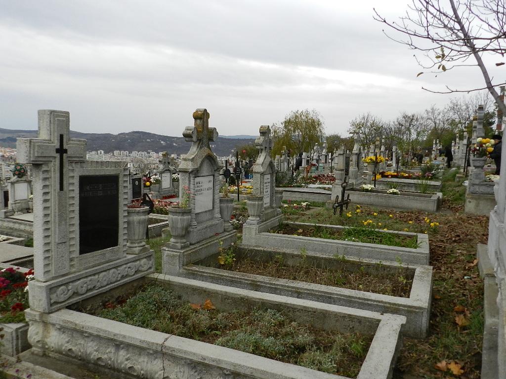 Mitropolia Clujului intenţionează să deschidă un nou cimitir!