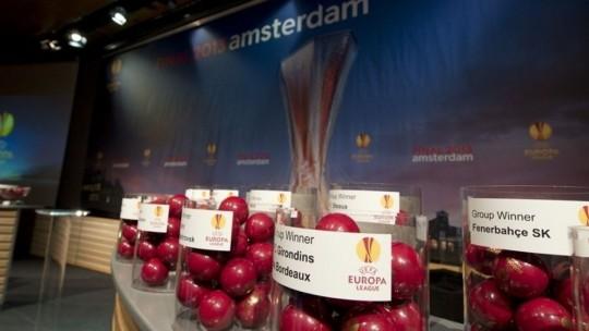 CFR dă peste Inter-ul lui Chivu în 16-imile Europa League. Steaua va întâlni Ajax Amsterdam