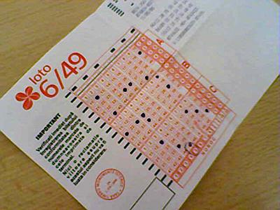 Premiul cel mare la extragerea de duminica a Loto 6/49 nu a fost castigat. Vezi numerele castigatoare