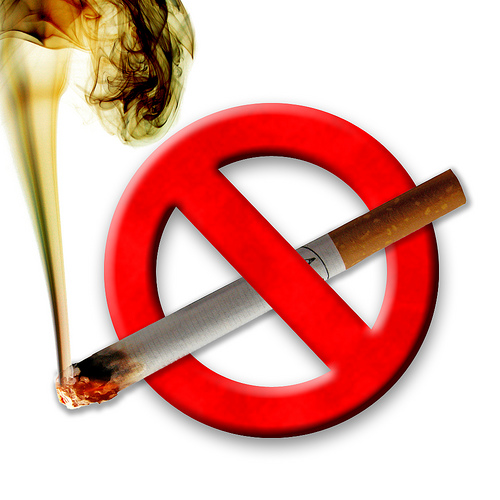 """""""Fumatul interzis"""", de la 1 ianuarie. Spaţiile din România unde veţi vedea în curând acest mesaj"""