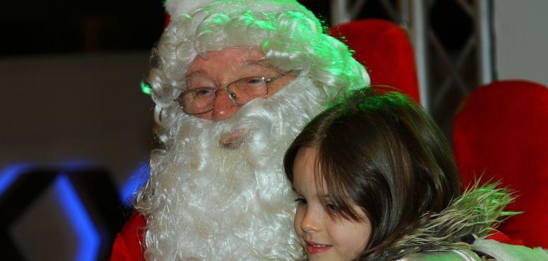 Tramvaiul lui Moş Crăciun circulă azi prin Cluj