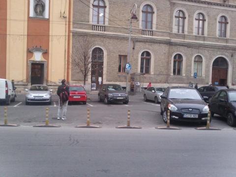 Se eliberează abonamentele de parcare pentru zona centrală