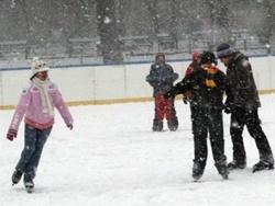 S-a deschis patinoarul Ice Dream de la Iulius Mall