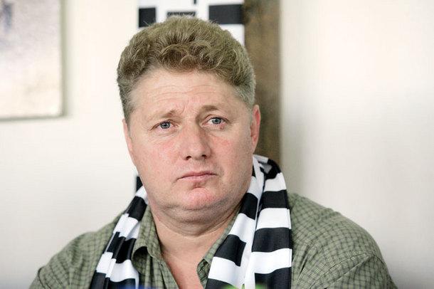 """Suporterii lui """"U"""" îi cer din nou lui Mărginean să se implice cât mai urgent în soluţionarea problemelor clubului"""