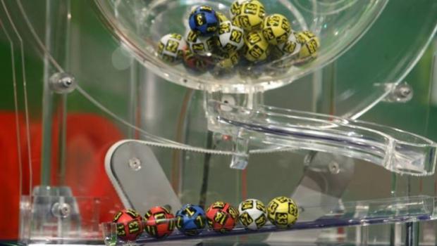Nici un castigator la extragerea loto 6/49 de duminica. Report de peste 7,4 milioane de euro
