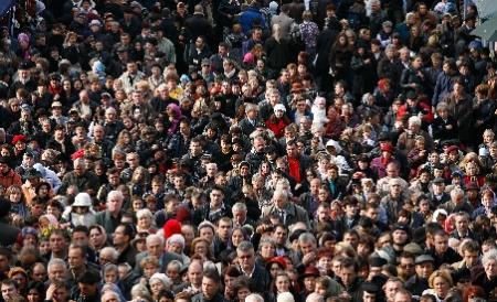 INS: Populaţia a scăzut cu 4.571 de persoane în noiembrie 2012