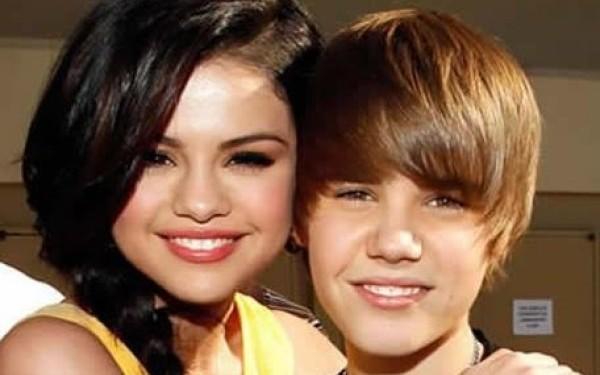 Justin Bieber şi Selena Gomez au pus punct relaţiei lor chiar în prima zi a anului