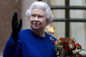 Regina Marii Britanii, internată de URGENŢĂ în spital