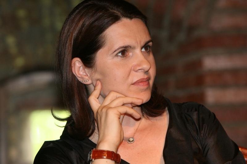 Şah la Băsescu. Clujeanca Adriana Săftoiu a fost numită purtător de cuvânt al PDL