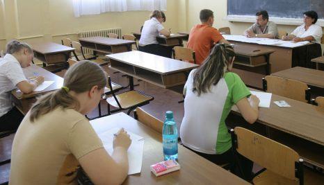 Bacalaureat 2013: 200.000 de liceeni se pregătesc de examenul din 10 iunie