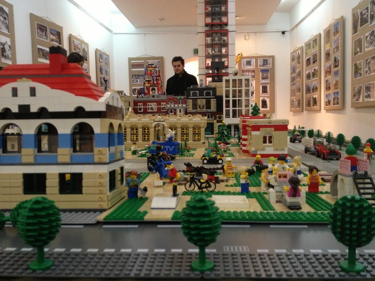 expozitie de lego