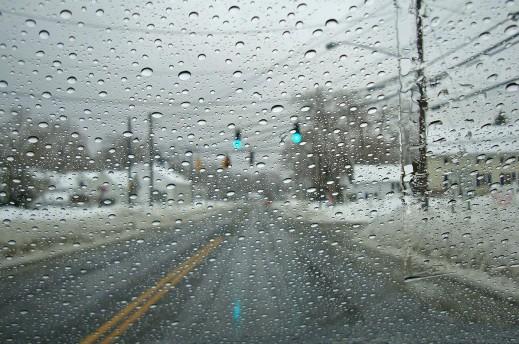 Iarna nu se lasă dusă din România! Atenționare de ploi și ninsori!