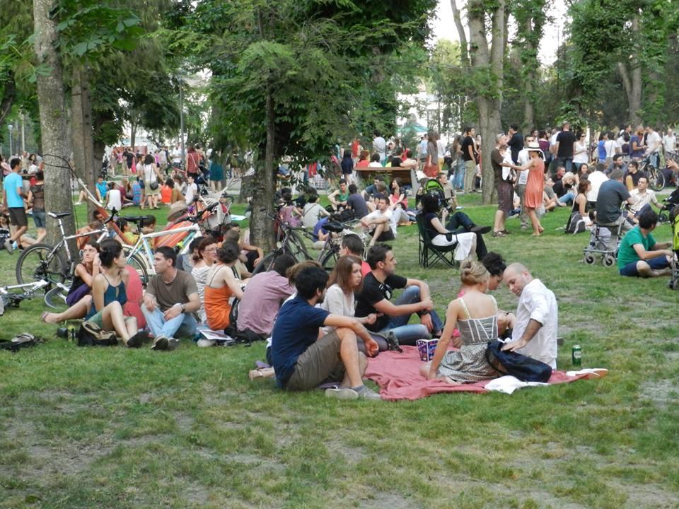 Mii de oameni au luat cu asalt Parcul Mare în prima zi de Jazz in the Park