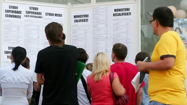 Peste 17.000 de absolvenţi au solicitat indemnizaţia de şomaj in luna iulie