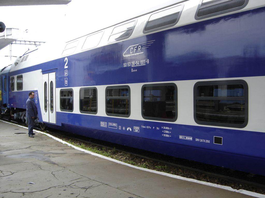 Elevii si studentii care fac naveta cu trenul vor beneficia de reduceri