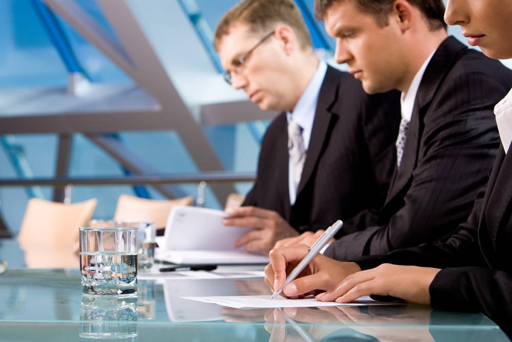 12 greşeli penibile descoperite de angajatori în CV-uri