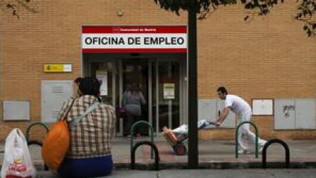 Numărul şomerilor din Spania, în scădere