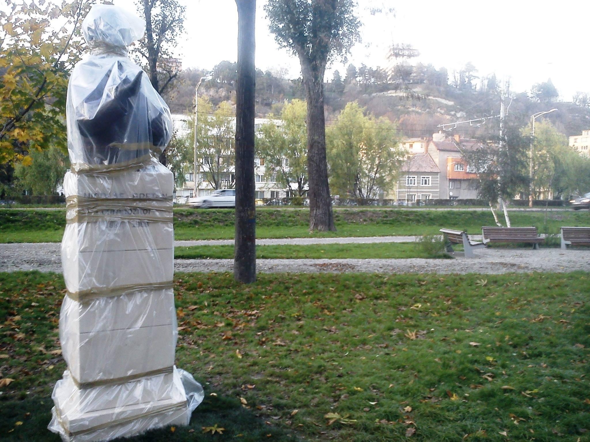 statuie nicolae bretan vandalizata temps d'images