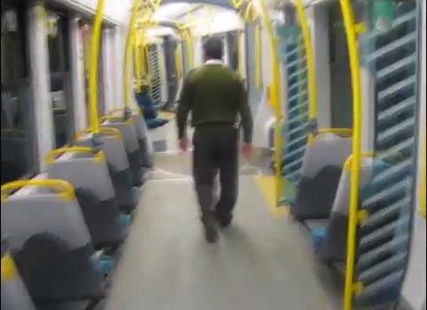 Tramvaiele mov din Cluj fac senzatie pe Youtube. Un vatman RATUC si-a filmat traseul din cabina sa!