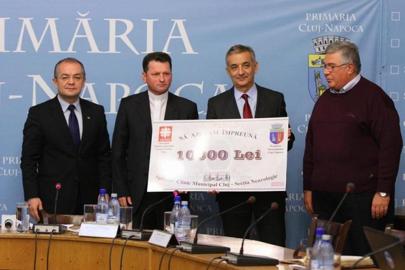 Spitalul Clujana primeşte 10.000 lei de la Asociaţia Caritas