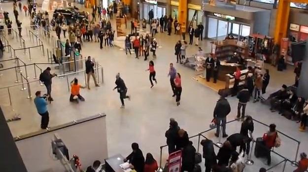 flash mob aeroport