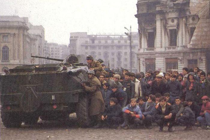 Peste 22.000 de români au certificat de revoluţionar, 16.000 dintre ei nu primesc însă indemnizaţie