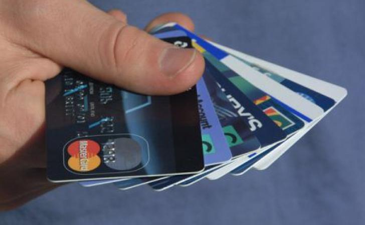 VESTE BUNĂ pentru toţi românii: se reduc comisioanele la plata cu cardul