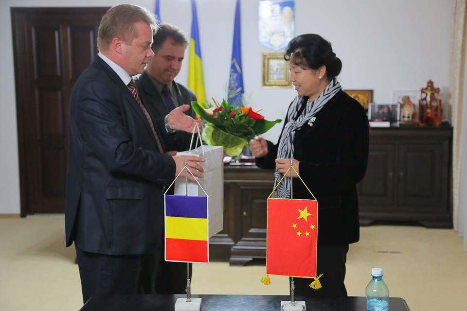 Chinezii sunt interesați de mai multe proiecte ale Consiliului Judeţean Cluj