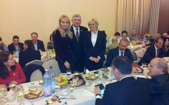 Membrii PSD Cluj în frunte cu Daciana Ponta au chefuit la un hotel de patru stele, la câteva ore după înmormântarea victimelor accidentului aviatic din Apuseni