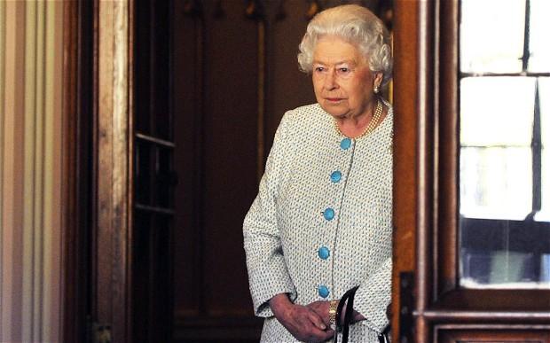 """Regina Marii Britanii a ajuns la """"fundul sacului"""". Fondurile ei de rezervă sunt la un minim istoric"""