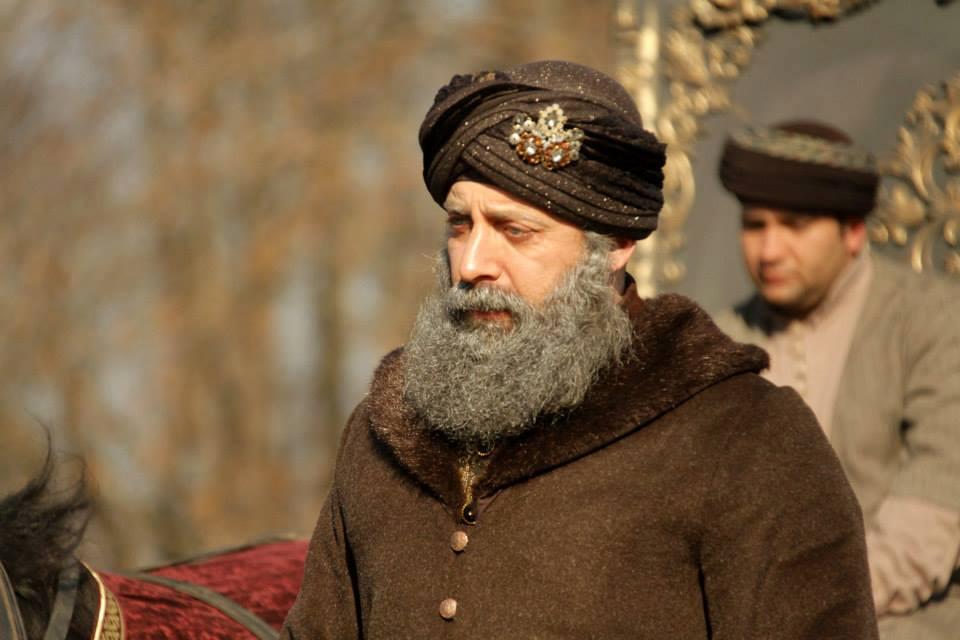 Daca va era dor de Suleyman Magnificul? Vezi cum arata sultanul imbatranit, cu barba alba! FOTO