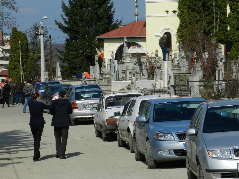 cimitir manastur biserica