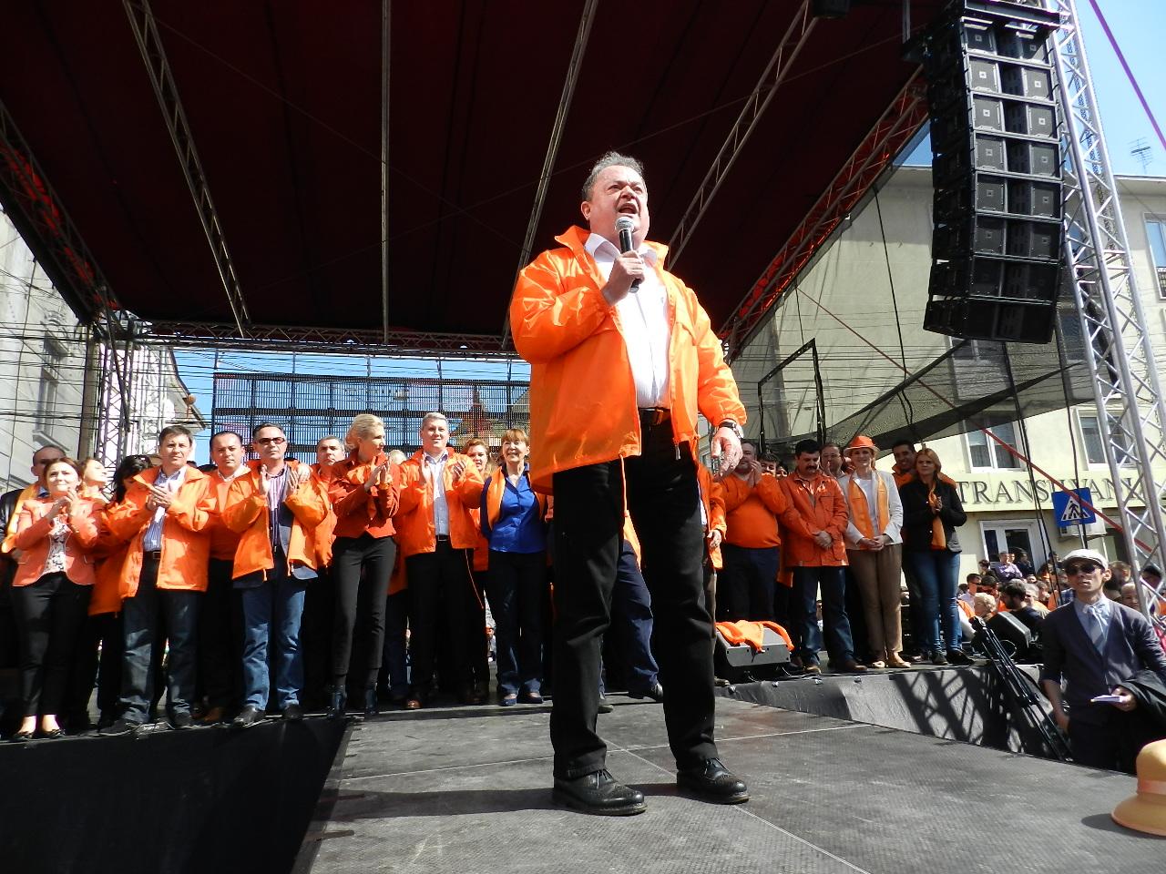 10.000 de oameni la mitingul PDL de la Cluj-Napoca. Boc nu a venit!