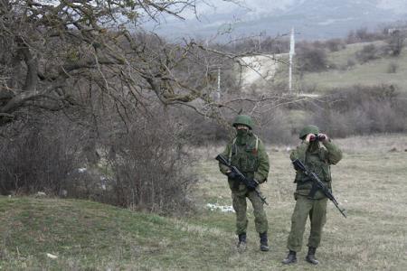 Crimeea: Un militar ucrainean a fost ucis în timpul unui atac la o bază din Simferopol
