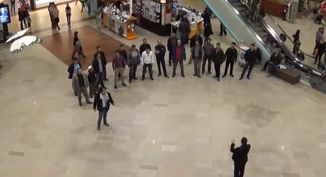 flashmob iulius mall artisti opera maghiara cluj