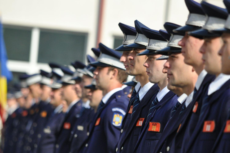 """Peste 2000 de candidaţi pe 300 de locuri înscrişi la admitere la Şcoala de Poliţie """"Septimiu Mureşan"""" din Cluj-Napoca"""