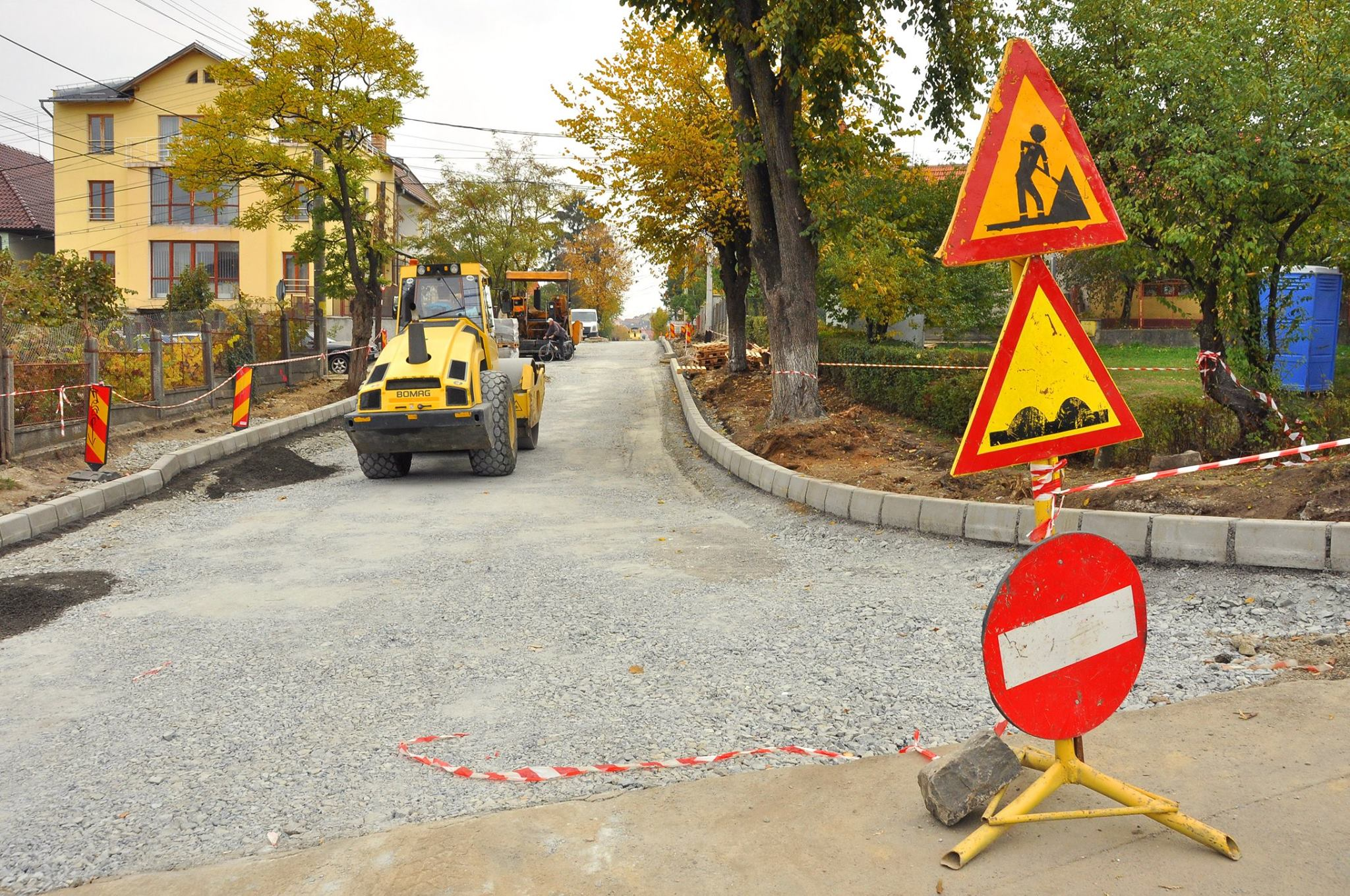 Alte 11 străzi din Cluj au intrat de azi în linie dreaptă în vederea modernizării