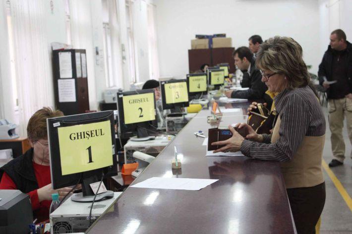 Doar 3400 de clujeni si-au platit taxele si impozitele online