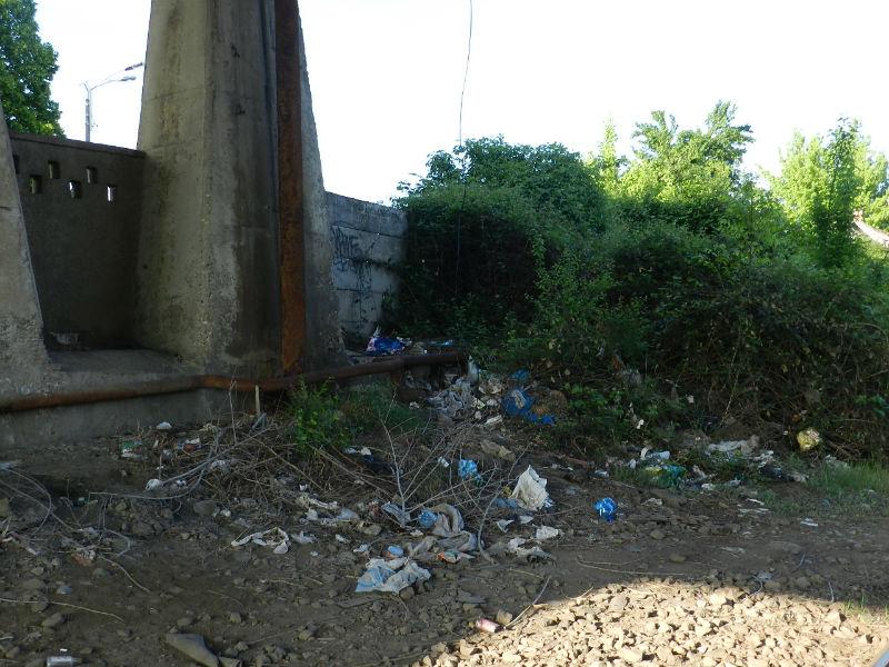 Podul de la Autogara 2 din Piaţa Gării, o imagine dezolantă pe blazonul oraşului-comoară