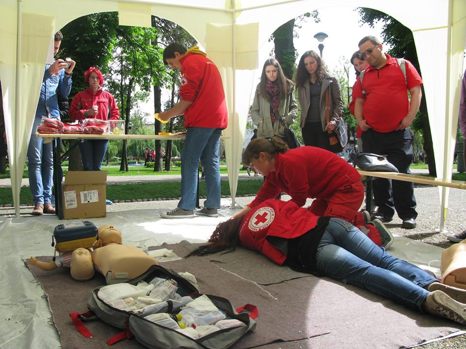 Campanie de prim ajutor, initiata de studentii de la FSPAC