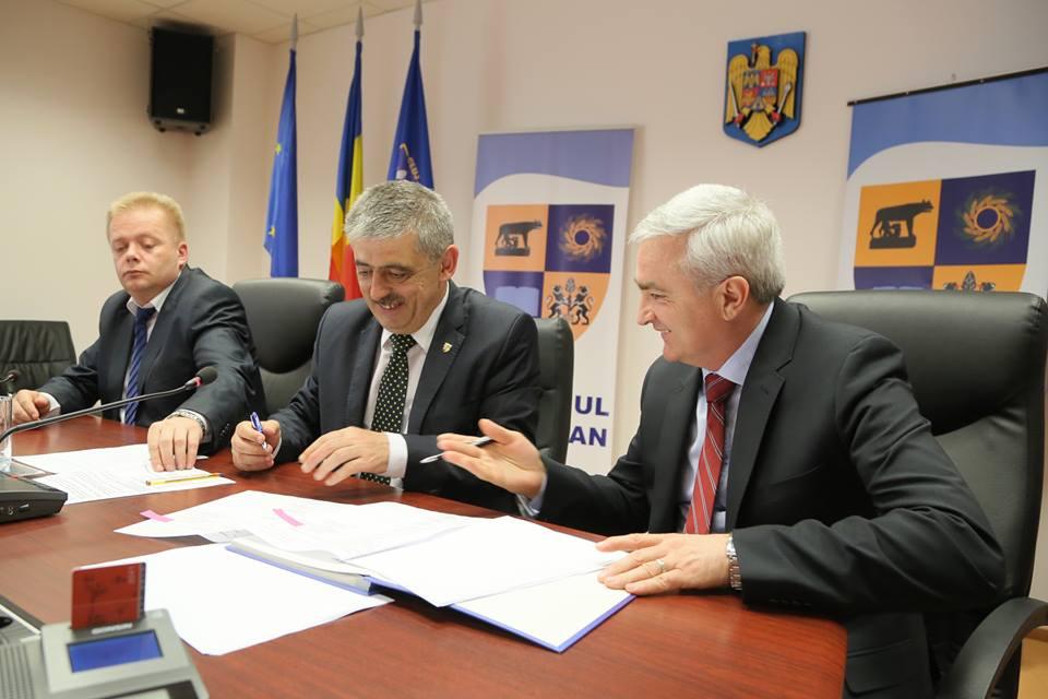 Uioreanu a semnat contractul de începere a lucrărilor de extindere la Tetarom I