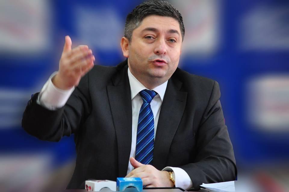 Senatorul Alin Tişe îi cere demisia lui Liviu Dragnea